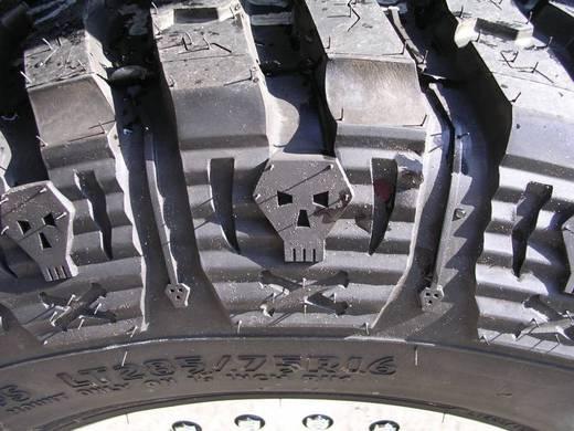 タイヤは顔が、命